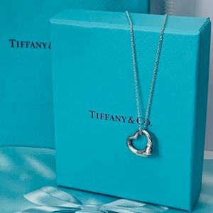 TIFFANY & Co. sterling silver open heart necklace